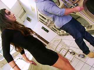 Horny Guy And A Shemale Sucking And Fucking In A Laundry Room